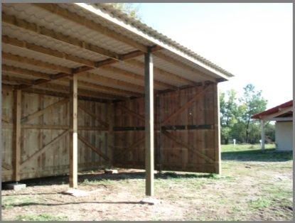 hangar de stockage fourrage chevaux mat riels vans